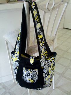 simplicity pattern 2597 . this is my new bible study bag !