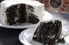 "Chocolate Icebox Cake by ovenphilosophy, recipe by smittenkitchen : Like a giant Oreo cake! They had me at ""giant oreo cake"" Oreo Icebox Cake, Oreo Cake, Icebox Desserts, Just Desserts, Delicious Desserts, Yummy Food, Tasty, Sweet Recipes, Cake Recipes"