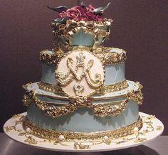 Marie Antoinette inspired wedding cake