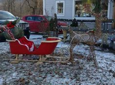 Santa's got a New Ride | A (RE)purposed Claw Foot Tub becomes a new Sleigh