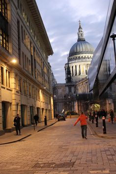 Walking to St. Paul's | Flickr - Photo Sharing!