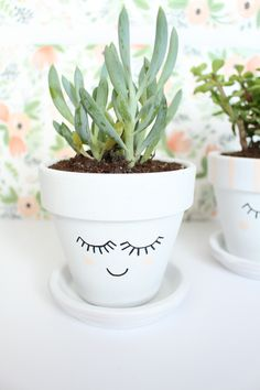 As a recentplanter fanatic (triangle gold foil planter here andsee a DIY rounduphere), I keep buying more and more and met my capacity for my tiny apartment a long time ago. But I couldn't resist making a few pretty faces to add to my mix! These cuties are super quick and the planters could be…