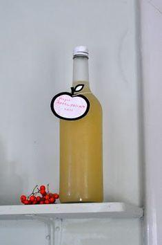 Husmorsskolan: Gör äppeldricka av fallfrukten! Apple Recipes, Raw Food Recipes, Chutney, How To Make Jam, Larder, Marmalade, Healthy Alternatives, Lemonade, Harvest