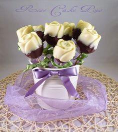 Rose cake pops ricetta elegante e romantica Cute Cakes, Yummy Cakes, Victorian Cakes, Cake Push Pops, Cake Pop Bouquet, Cake Pop Tutorial, Cake Pop Stands, Cookie Pops, Cake Truffles