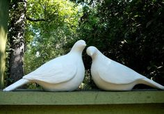 Pair of Large Minimalistic Dove Statues - Modern Yard Art - Bird Sculptures Greek Statues, Bird Statues, Stone Statues, Book Sculpture, Garden Sculpture, Clay Birds, Ceramic Birds, Prayer Garden, Outdoor Wedding Venues