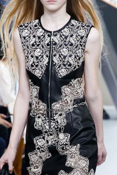 Louis Vuitton Fall 2015 Ready-to-Wear Fashion Show Details