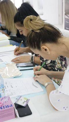 #Dermopigmentare #Microblading #ManualShading #HairStroke #TapShading #MicroShading #TehniciAvansate #RezultateGarantate #StartAcademy #AnaMariaMargineanu #RoxanaDumitru Informații & Înscrieri: ⏩ 0770815659 | 0314326031 ⏩ office@cursuri-estetica.ro ⏩ www.cursuri-estetica.ro Permanent Makeup, Daniel Wellington, Russia, Chemistry, Anatomy