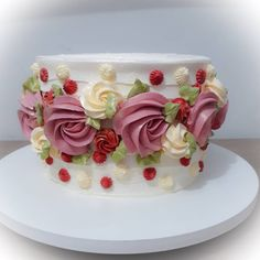Love the rosettes Cake Icing, Buttercream Cake, Eat Cake, Cupcake Cakes, Bolo Floral, Floral Cake, Pretty Cakes, Beautiful Cakes, Gateaux Cake