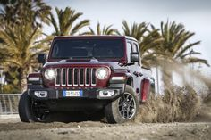 Das neue Modell markiert die Rückkehr der Marke in das Pickup-Segment und kommt zu den Feierlichkeiten des 80-jährigen Jubiläums von Jeep® zu den europäischen Händlern. Jeep Gladiator, Vehicles, Autos, Celebrations, Scale Model, Car, Vehicle, Tools