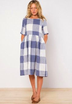 My daughter Gabby fell head over heels for this dress when she spied it on our 'Checks' Pinterest board. And then THIS gorgeous Italian crinkle linen arrived – Ottavio Crinkle – and her pattern/fabric stars aligned to create this gorgeous...