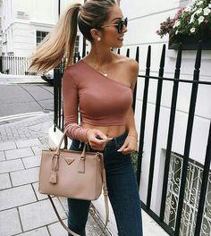 Street style via___ @world_fashion_styles 👍✔ 📷: amazing @caro_e_ 💣✔  via ✨ @padgram ✨(http://dl.padgram.com)