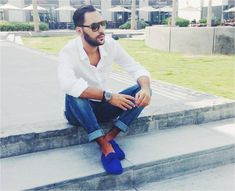 Ahmad Daabas wearing Tod's Gommino. Join the Dots of Life project and share a picture of your Gommino on gommino.tods.com #todsgommino #dotsoflife