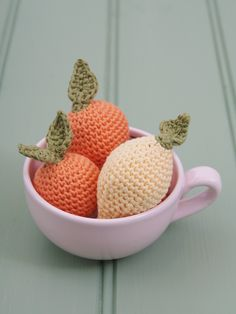 Lara Messer shares this adorbs free crochet pattern for these Clementine and Lemon cuties.