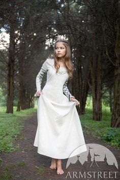 """""""Fairy Tale"""" Linen Dress :: by medieval store ArmStreet Medieval Dress, Medieval Clothing, Celtic Clothing, Medieval Fantasy, Costumes Faciles, Barefoot Girls, Fantasy Dress, Renaissance Fair, Linen Dresses"""