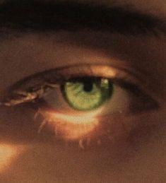 Aesthetic Eyes, Aesthetic Photo, Aesthetic Pictures, Aesthetic Green, Summer Aesthetic, Aesthetic Makeup, Aesthetic Grunge, Aesthetic Girl, Pretty Eyes