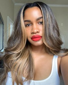 Blonde Wigs Lace Hair Brown Wigs Ash Blonde Highlights 360 Blonde Lace Frontal Wig Wigs For 60 Year Old Woman Ash Blonde Highlights, Curly Hair Styles, Natural Hair Styles, Color Rubio, Short Hair Wigs, Hair Laid, Lace Hair, Blonde Wig, Weave Hairstyles