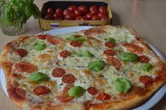 Rýchly a jednoduchý recept na pizzu, ktorá spolu s prípravou nezaberie viac ako 20 minút. Táto pizza je navyše rovnaká ak nie lepšia ako pizzerie. Pepperoni, Vegetable Pizza, Quiche, Mashed Potatoes, Vegetables, Breakfast, Ethnic Recipes, Food, Whipped Potatoes