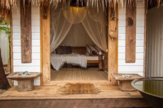 Hut in Bangalow, Australia. Haveli House is an Indonesian and Indian inspired luxe cottage providing a truly authentic experience with a distinct relaxing environment and atmosphere that will evoke treasured travel memories. Haveli House is 'a luxe cottage', minutes walk to...