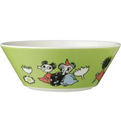 This green Moomin bowl by Arabia features the cute Thingumy and Bob. It's beautifully illustrated by Tove Slotte and the illustration can be seen in the origina Moomin Shop, Tove Jansson, Cereal Bowls, Kitchen Items, Birthday Wishes, Dog Bowls, Holiday Fun, Serving Bowls, Decorative Bowls