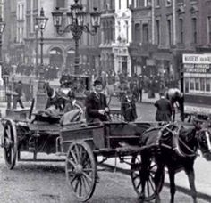 Years gone by Dublin Street, Dublin City, Old Pictures, Old Photos, Vintage Photos, Irish Independence, Emerald Isle, Dublin Ireland, Past Life