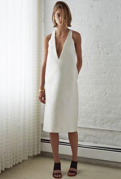 ellery resort 15 Minimal Chic, Minimal Fashion, Fashion Mode, Look Fashion, Womens Fashion, Minimal White Dress, Minimal Clothing, Minimal Classic Style, Fashion Trends