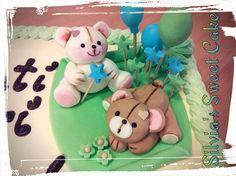 Torta alla frutta per il primo compleanno di un bimbo!  https://www.facebook.com/silviassweetcake  #cake  #chocolate #chocolatedecorations #firstbirthday #sugarpastry #sugarbear #fondent