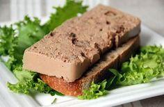 Paté di fegatini al Marsala - Morbido e cremoso, il patè di fegatini al Marsala è un antipasto delizioso da servire durante i pranzi di festa, spalmato su crostini di pane tostato. Senza sensi di colpa - Parliamo di Cucina