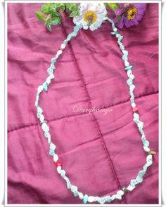 Collar #tejido en #crochet con hilo macramé y enhebrado de piedras semi-preciosas y caracoles.  #ganchillo ♥ #jewelry