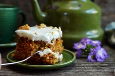 Zdrowe ciasto marchewkowe z jabłkami, na mące owsianej czyli zmielonych płatkach owsianych, bez cukru. Wilgotne i pyszne, idealne do kawy.