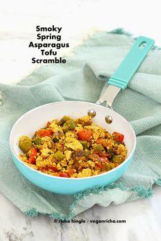 Smoky Asparagus Tofu Scramble: beat the alarm clock blues with this delicious breakfast (gf, vegan).