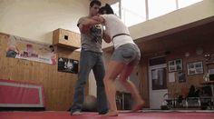 Self defense: judo technique. Exercise for longevity and personal safety. Self Defense Martial Arts, Self Defense Tips, Self Defense Techniques, Self Defense Weapons, Home Defense, Kung Fu, Krav Maga, Judo, Tai Chi