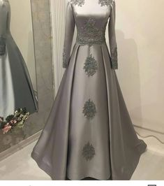 New dress brokat hijab long sleeve ideas – Hijab Fashion 2020 Skirt Fashion, Hijab Fashion, Fashion Dresses, Indian Gowns Dresses, Evening Dresses, Trendy Dresses, Nice Dresses, Short Dresses, Hijab Dress Party