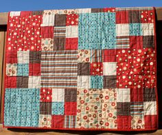 This color combination is incredible. The quilting is awesome, too!