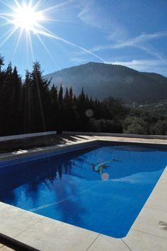 Villa Ana close to Villanueva del Trabuco. This is a tennis villa with a 12m pol available for rent.