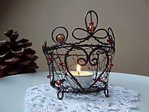Anjelik...♥ Dekorácia vhodná do interiéru ,vyrobená zo železného drôtu a keramického srdiečka - ošetrené....