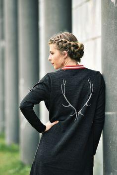 Cardigan schwarz - Mirabell Plummer Models, High Neck Dress, Dresses, Fashion, Black, Woman, Role Models, Vestidos, Moda