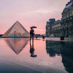 PARIS. Pink hour and rain make a great combination  #parisjetaime #parismaville
