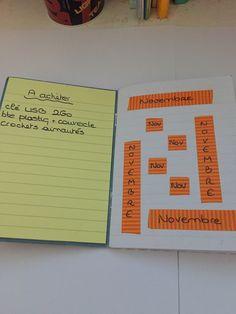 A gauche une liste de shopping avec un petit tas de post-it à lignes: c'est plus pratique ensuite de prendre la liste pour faire les courses. A droite, la page de garde de novembre - j'essaye de faire quelque chose de différent chaque mois....