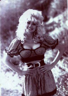 Dolly Parton Dolly Parton Tattoos, Dolly Parton Quotes, Dolly Parton Young, Dolly Parton Imagination Library, Dolly Parton Costume, Dolly Parton Pictures, Hello Dolly, Female Singers, Big Hair