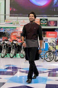 Wedding Dress Men, Wedding Men, Pathani Suit Men, Kurta Men, Mens Kurta Designs, Boy Face, Indian Man, Sherwani, Men's Collection