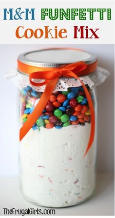 Funfetti M & M Cookie Mix in a Jar ~ this Mason Jar gift will come together so quickly, and makes such yummy cookies!
