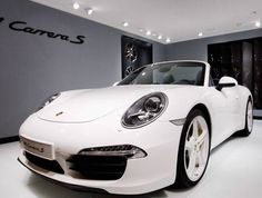 Modelo 911 Carrera S, da Porsche, apresentado no Salão de Pequim