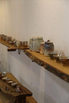 이기호 작가 Pottery Studio, Clay Pots, Wabi Sabi, Bath Caddy, Ceramic Pottery, Cement, Tea Set, Tea Time, Hobbies