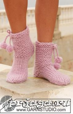 Socks & Slippers - Free knitting patterns and crochet patterns by DROPS Design Knitted Booties, Crochet Boots, Knitted Slippers, Knit Crochet, Free Crochet, Drops Design, Knitting Patterns Free, Free Knitting, Free Pattern