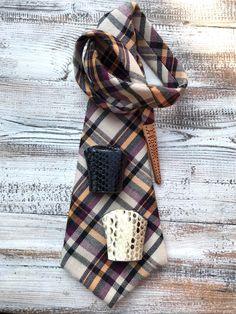 Leonodo la nuova cravatta da donna Plaid Scarf, Tie, Fashion, Moda, Fashion Styles, Cravat Tie, Ties, Fashion Illustrations