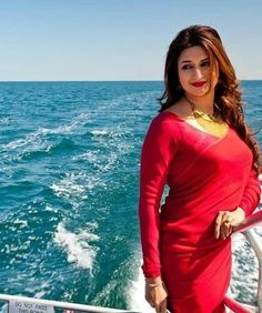 Image may contain: 1 person, standing, ocean, outdoor and water Beautiful Girl Indian, Most Beautiful Indian Actress, Beautiful Saree, Beautiful Gorgeous, Beautiful Women, Indian Tv Actress, Indian Actresses, Divyanka Tripathi Saree, Elegant Saree