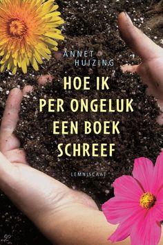Hoe ik per ongeluk een boek schreef - Annet Huizing | Lemniscaat 2014 | 10+ | Als haar vader een nieuwe vriendin krijgt, Dirkje, blijkt er toch een oud verdriet in Katinka schuil te gaan. Zonder dat ze het zelf in de gaten heeft, welt dat op in de verhalen die ze schrijft voor haar overbuurvrouw Lidwien, een beroemde romancière met een writer's block, van wie ze schrijfles krijgt.
