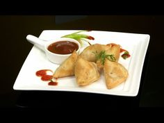 Samosa,Cocktail Samosa,Vegetarian Samosa,Indian Snack,VahChef,Philips Airfryer,Super Chef,Master Chef,VahRehVah,Healthy Recipe,Little Oil,Less Oil,No Oil,Video Recipe,Indian Recipe,Indian Cuisine,Indian Food,Food Processor,how to make,Cooking Session,Rapi