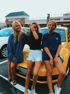 VSCO - addiemcelveen The Effective Pictures We Offer You About Jeeps tire cover A quality picture can tell you many things. Best Friend Goals, My Best Friend, Best Friends, Cute Friend Pictures, Best Friend Pictures, Friend Pics, Bff Pics, Insta Photo Ideas, Cute Friends