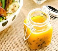 Passion fruit sauce for use on salad No Salt Recipes, Pasta Recipes, Vegan Recipes, Cooking Recipes, Salty Foods, Easy Mashed Potatoes, I Love Food, Sauces, Food Inspiration
